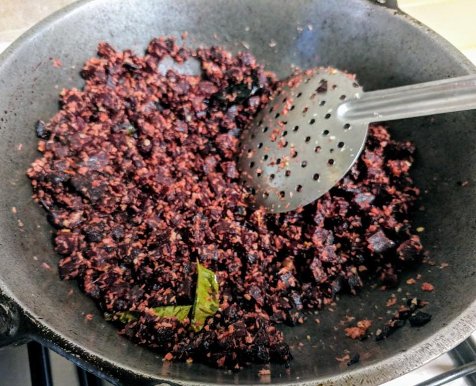 Beetroot poriyal 3